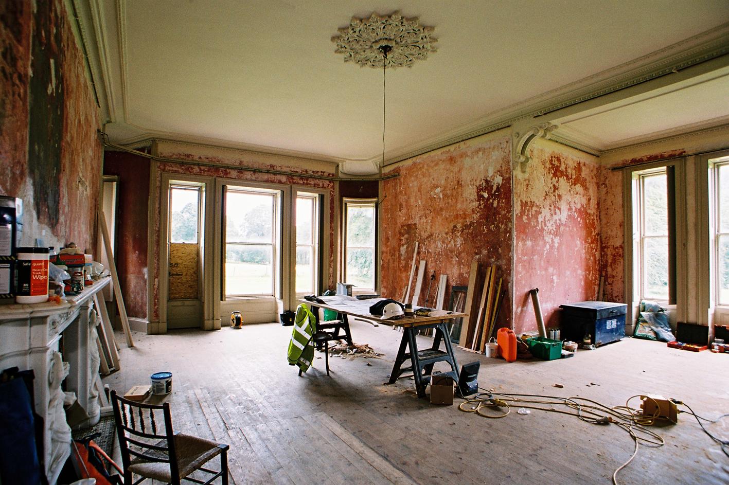 Aldourie castle wins restoration award for Restoration house
