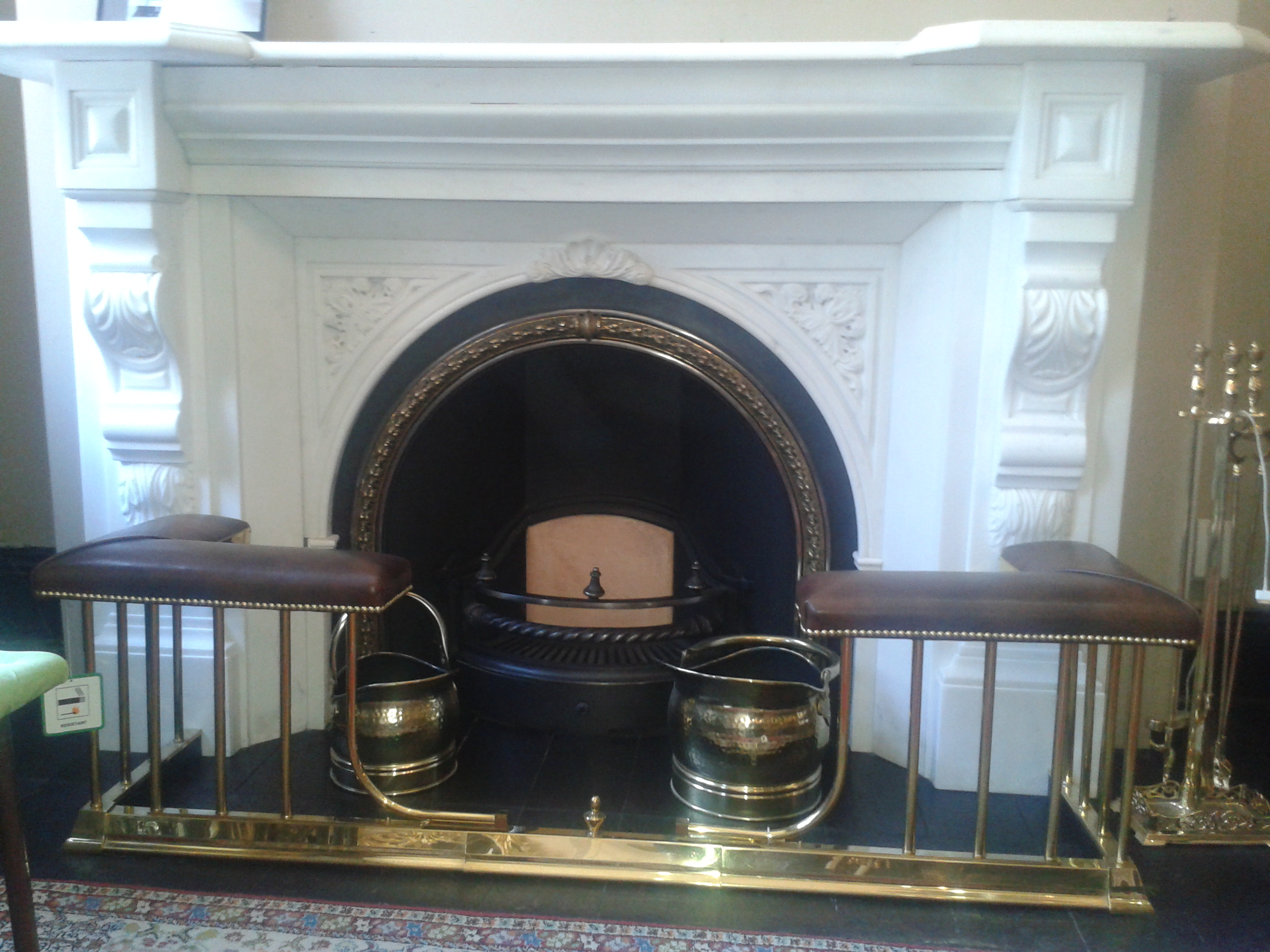 ANTIQUE, TRADITIONAL AND CONTEMPORARY FIREPLACE IN DUBLIN AUCTION ...