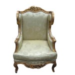 A 19th century French giltwood fauteuil (800-1,200).