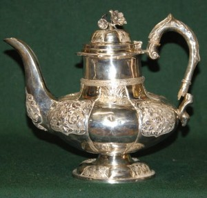 Engraved Irish Silver Teapot - Dublin 1833 by John Scriber (34ozs).