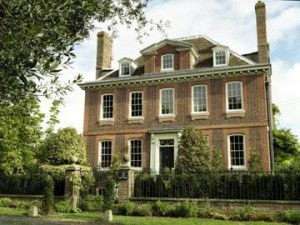 Built in 1713 The Old Rectory near Canterbury is considered one of Kent's finest small Queen Anne country houses.