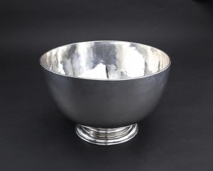A Cork 18th century silver punch bowl by William Reynolds (2,500-3,500)