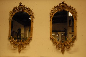 A pair of 19th century gilt wood wall mirrors (4,000-6,000).