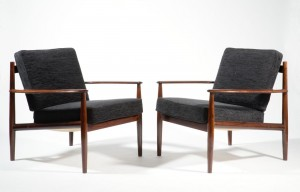 A pair of Danish armchairs, 1960's (800-1,200).