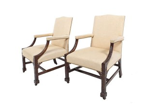 A FINE PAIR OF GEORGE III MAHOGANY FRAME GAINSBOROUGH ARMCHAIRS, (10,000-15,000)