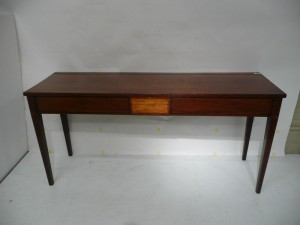 This Georgian mahogany and satinwood side table sold for 850.