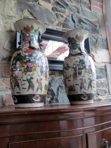 A pair of 18th century Chinese vases.