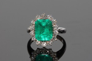 An emerald and diamond cluster ring (5,500-6,500).