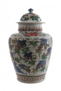 Large Chinese famille verte urn and cover (5,000-8,000).