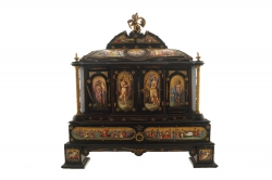 ITALIAN MINIATURE AND ORMOLU MOUNTED EBONY JEWELLERY CASKET (6,000-9,000)