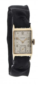A circa 1940's 14 carat gold Gentleman's wristwatch by Jaeger-LeCoultre (!,500-2,000).