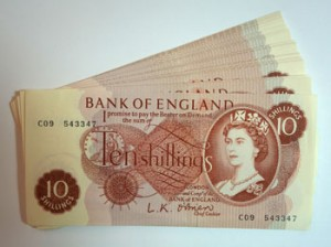 Fifty one Bank of England ten shilling notes (250-350).