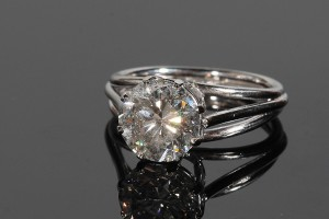 A brilliant cut diamond solitaire ring (14,000-17,000).