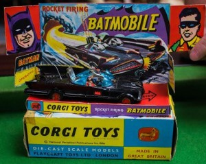 A Corgi 267 Batmobile (40-60).