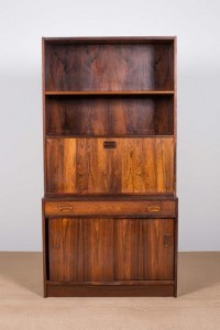 A pair of rosewood upright bookcases, Danish (800-1,200).