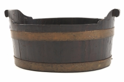 Nineteenth-century brass bound oyster bucket (500-800)