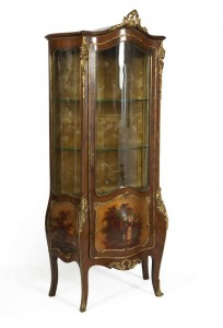 A LOUIS QUINZE STYLE KINGWOOD VITRINE (1,500-2,500)