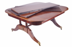 This Regency telescopic dining table made 18,000 at hammer.