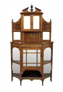 AN EDWARDIAN ROSEWOOD AND MARQUETRY INLAID CHIFFONEER (300-400)