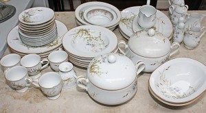 A Noritake Irish tea and dinner service (70-120)