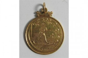 A Bloody Sunday 1st anniversary tournament gold medal 1921 (6,500-7,000)