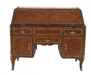 A LOUIS XV KINGWOOD VENEERED BUREAU EN PENTE (2,000-3,000)