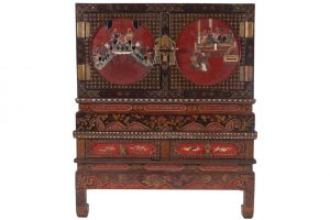 Pair of Chinese Qing period lacquered cabinets on stand (5,000-7,000)
