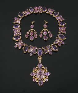 A necklace and earring Georgian amethyst set circa 1830, mounted in Pinchbeck ($3,000-5,000)