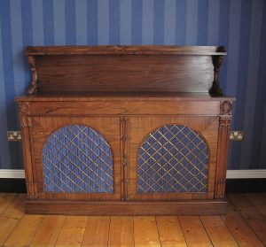 This William IV rosewood side cabinet is estimated at 300-500.