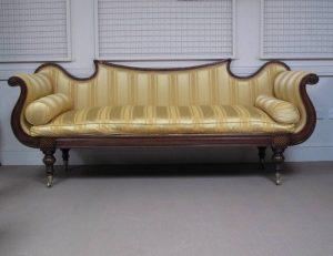 A Victorian mahogany sofa (500-800)