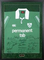 2004 Rubgy jersey signed by Irish Triple Crown team Andy Farrell testimonial (200-300)