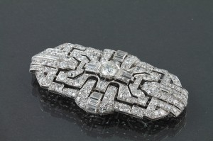 Art Deco diamond plaque brooch (12,000-14,000).