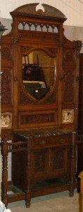 A Victorian hallstand with tiled inserts is estimated at 200-300.