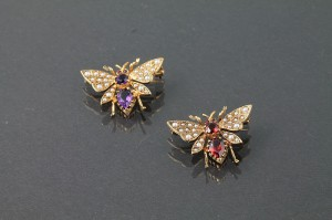 TWO PEARL AND GEM SET BROOCHES, modelled as bees, 9ct gold set (180 - 220)
