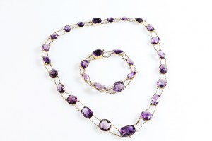 A Victorian amethyst riviere  necklace (2,500-3,000).
