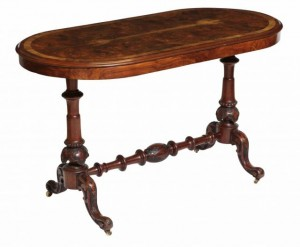 A Victorian walnut table (750-850)