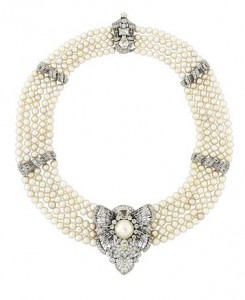 AN ART DECO NATURAL PEARL AND DIAMOND NECKLACE/CLIP BROOCH (£80,000-100,000).