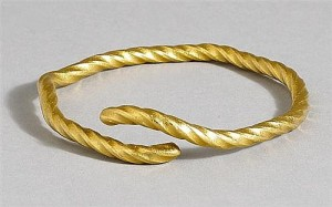 Celtic Torc (8,000-10,000).