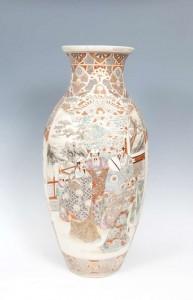 A large Japanese satsuma earthenware baluster vase (400-600).