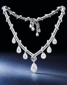 Diamond Necklace, Bulgari, circa 1950s (Est. HK$8 – 9.5 million / US$1 – 1.2 million)