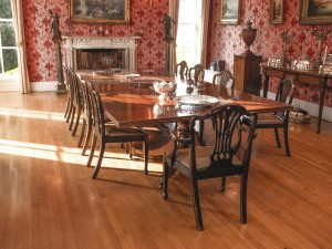 An Irish George IV mahogany rectangular dining table attributed to Gillingtons of Dublin.