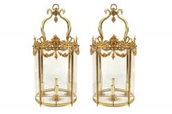 Pair of Edwardian brass hall lanterns (2,500-3,500).