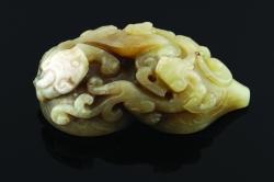 A Chinese celadon jade San Xi Tang double gourd seal (4,000-6,000).