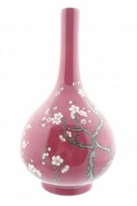 Chinese bottle vase (1,200-1,800).