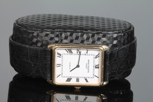 A GENT'S 18CT GOLD PATEK PHILIPPE WRIST WATCH (3,500-4,500).