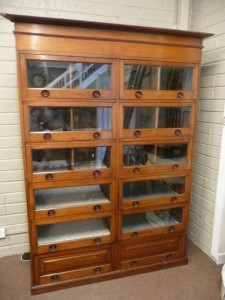 Mahogany shop display cabinet, c1900. (1,000-1,500)