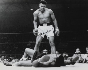 Muhammad Ali (Cassius Clay) v Sonny (Ugly Bear) Liston, Miami Beach, 25th Febuary 1964 (400-600).
