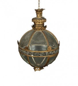 AN IRISH GEORGE III SPHERICAL GILT METAL LANTERN (2,000-3,000)