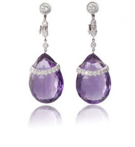 A PAIR OF AMETHYST AND DIAMOND PENDENT EARRINGS (1,200-1,400)